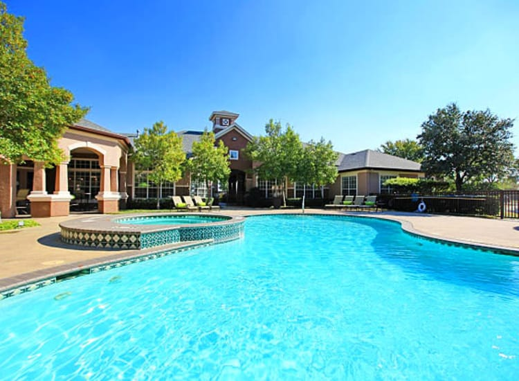 Sparkling swimming pool at The View at Lakeside in Lewisville, Texas