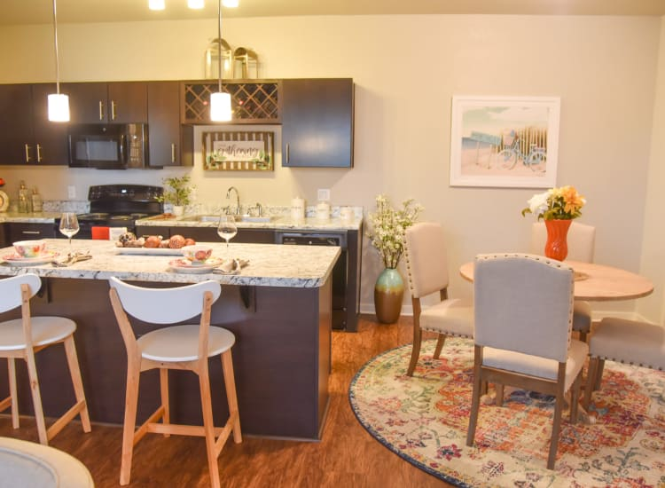 kitchen and dining space at Springs at Port Charlotte in Port Charlotte