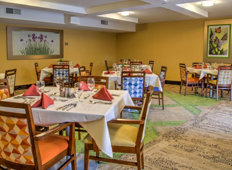 Cozy dining area at Bella Vista Senior Living in Mesa, Arizona