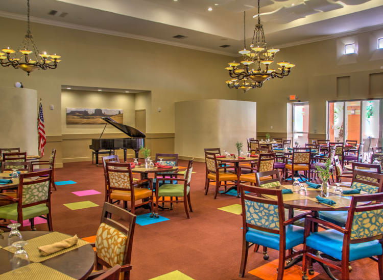 Dining area at Casa Del Rio Senior Living in Peoria, Arizona