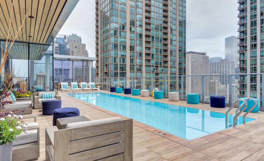 Resort-style swimming pool at Residences at 8 East Huron in Chicago, Illinois