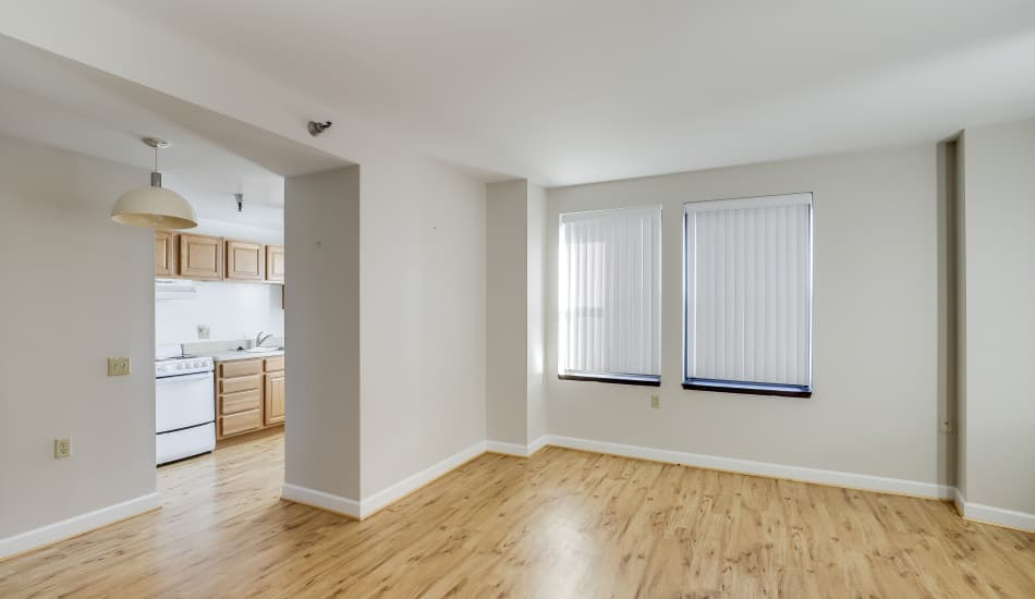 Dining area and Kitchen Entrance at Cumberland Arms Apartments apartments for rent in Cumberland