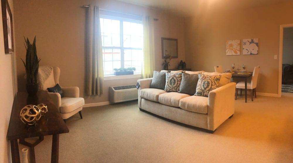 Senior apartment living room at Randall Residence of Centerville in Centerville, Ohio