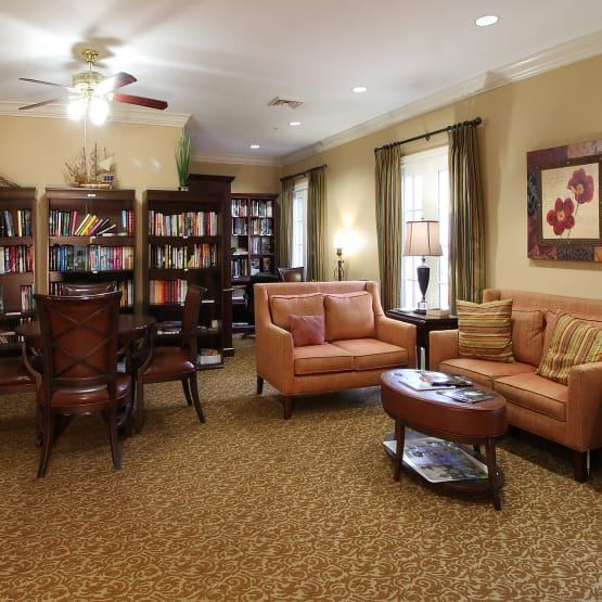 Spacious reading room at Reunion Court of Kingwood in Kingwood, Texas