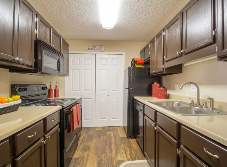 Fully-equipped kitchen at Summerchase at Riverchase in Hoover, Alabama