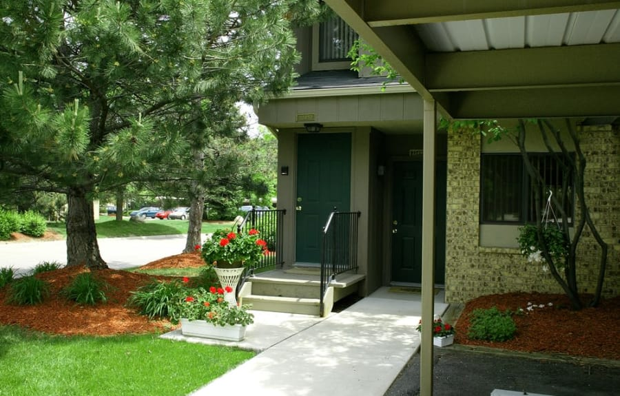 Exterior of apartments in Farmington Hills, Michigan at Fairmont Park Apartments