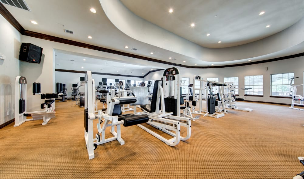 Marquis at Stone Oak offers a fitness center in San Antonio, TX