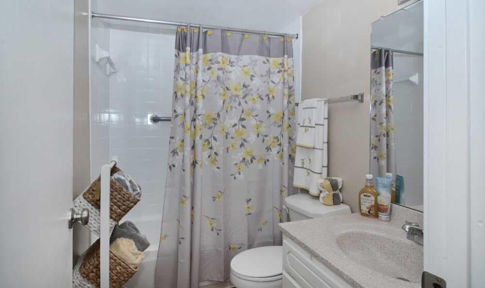 Beautiful bathroom at The Pearl at Spring Creek