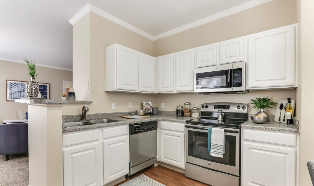 Dove Valley Apartments offers a beautiful kitchen in Englewood, Colorado