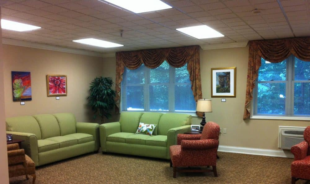 Community living room at The Terrace At Mountain Creek in Chattanooga, TN
