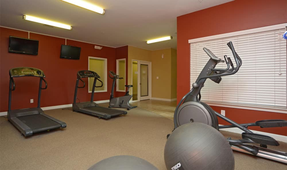 Stay healthy in our fitness center in Evansville, Indiana