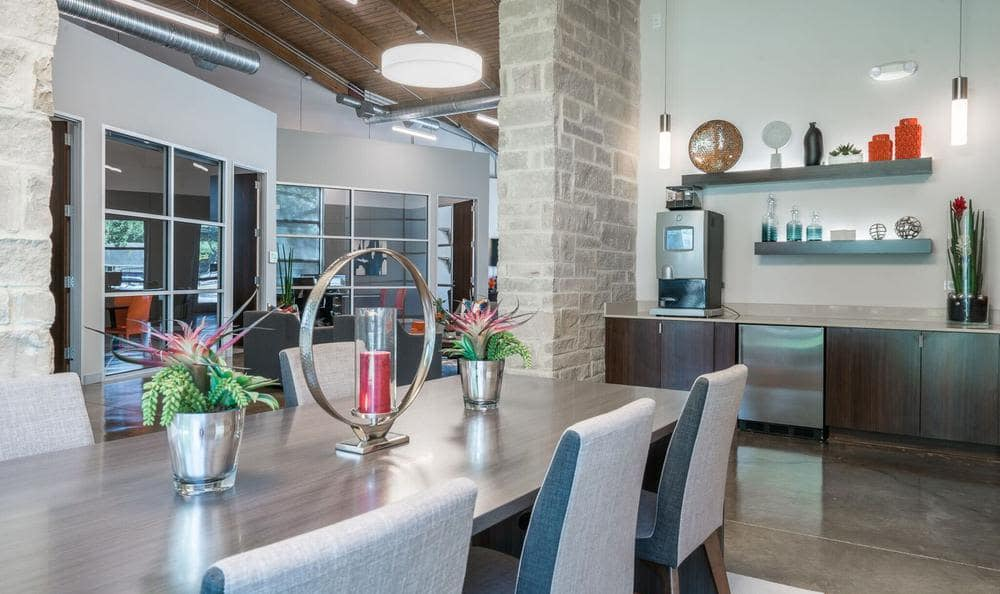 Villages at Parktown Apartments offers a dining area in Deer Park, TX