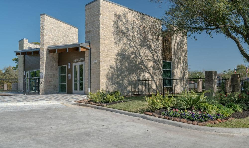 Beautiful entryway at Villages at Parktown Apartments in Deer Park, TX