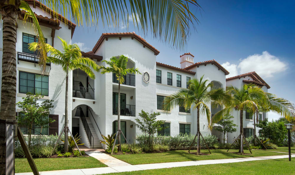 Beautiful exterior of our apartments in Miami, Florida