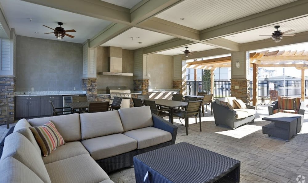 Outdoor barbecue lounge at apartments in Ocoee