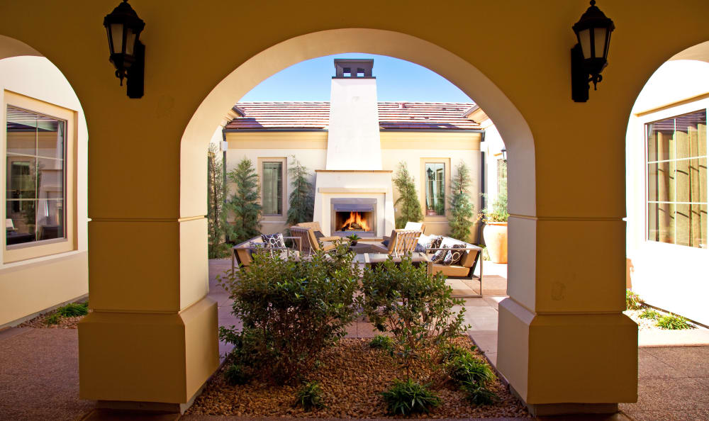 Exterior archways and landscaping at Mountain Gate & Mountain Trails