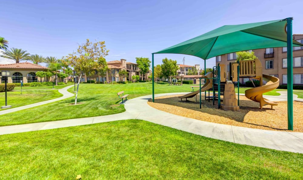 Covered park at Alvista Towngate
