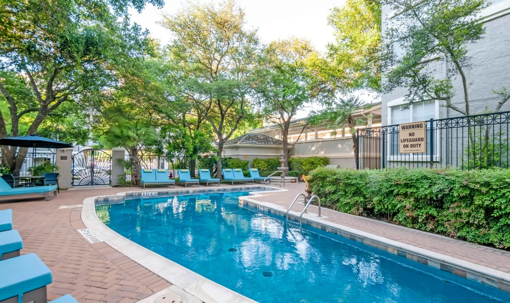 Swimming pool at Meridian Apartments in San Antonio, Texas