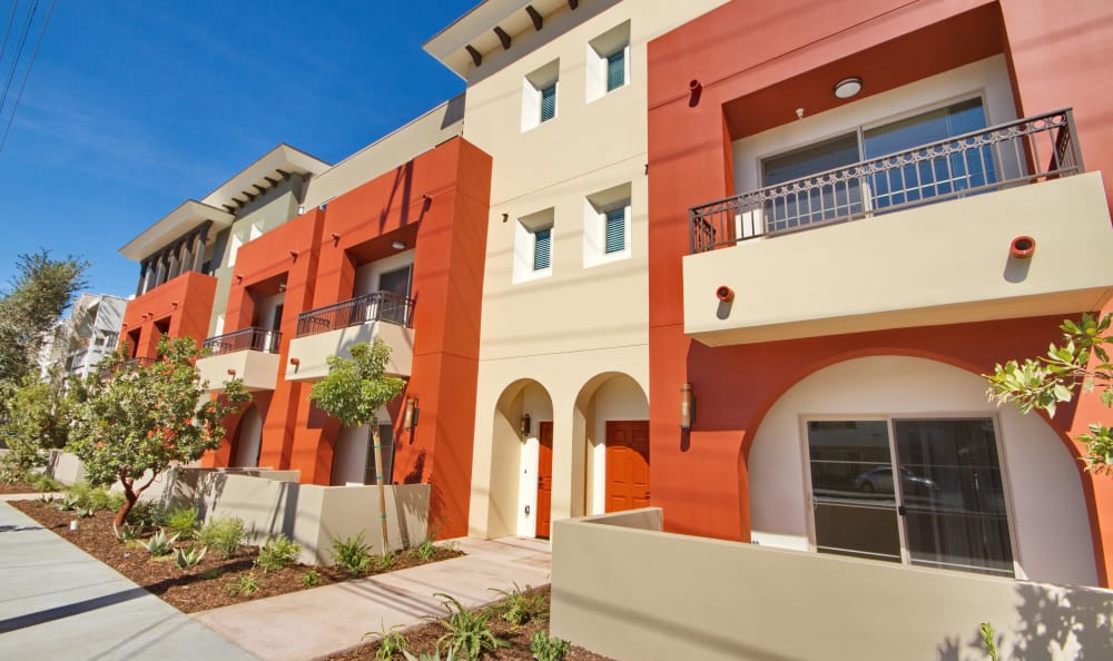 Exterior view of resident building at IMT Townhomes at Magnolia Woods in Sherman Oaks, CA