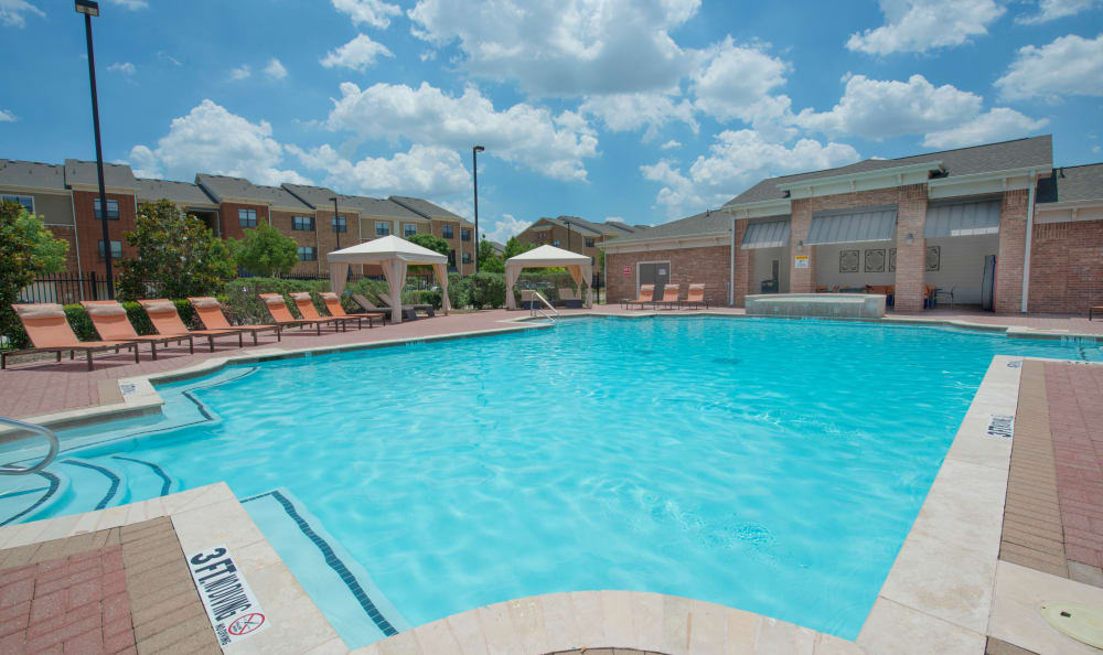 Swimming pool at The Atlantic McKinney Ranch in McKinney, Texas