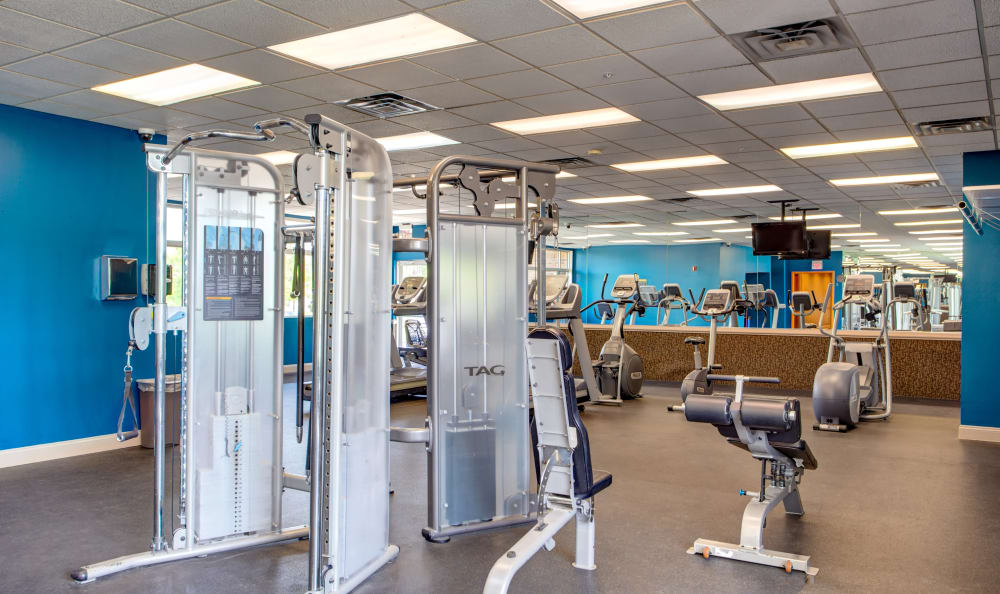 Our apartments in Gurnee, Illinois showcase a modern fitness center