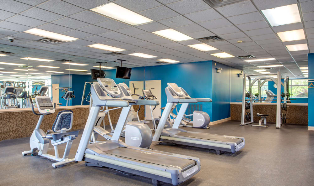 The Preserve at Osprey Lake offers a modern fitness center in Gurnee, Illinois