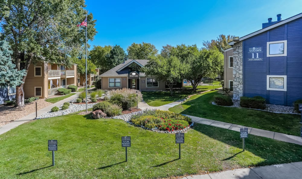 Well maintained lawn at City Center Station Apartments in Aurora, Colorado