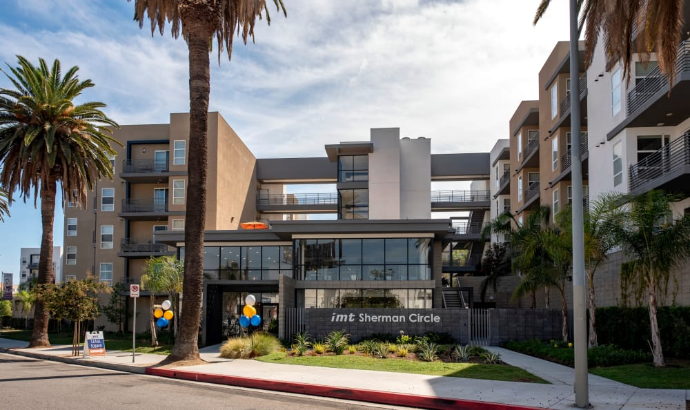 Exterior view of our community at IMT Sherman Circle in Van Nuys, California