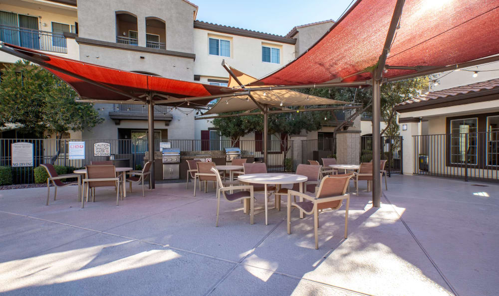 Outdoor seating and shade at Waterford at Peoria in Peoria, AZ