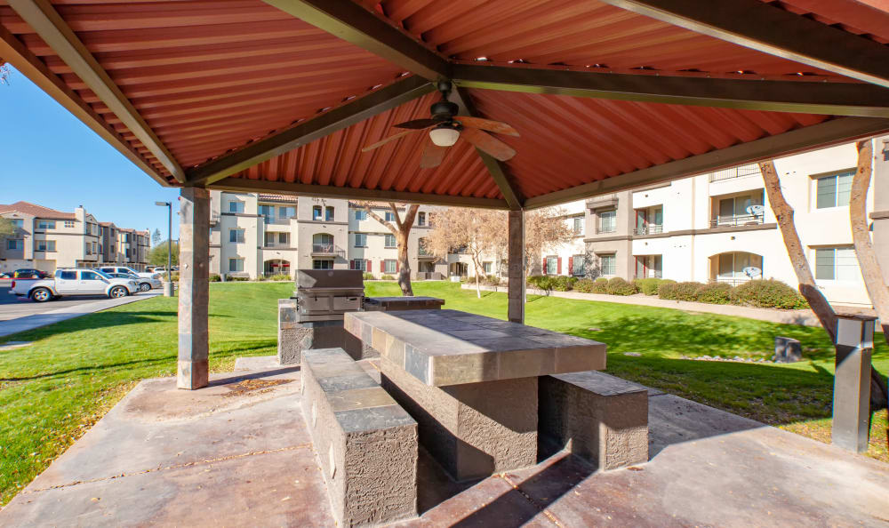 Community Shaded picnic area at Waterford at Peoria in Peoria, AZ