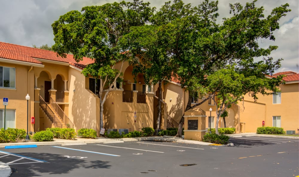 Resident building exterior at IMT Pinebrook Pointe in Margate, Florida