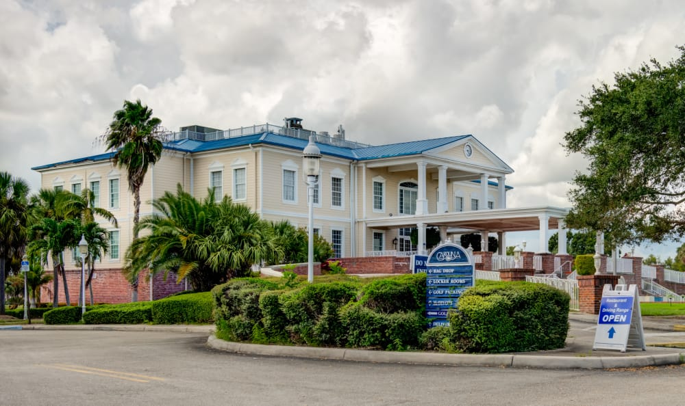 Retail center near IMT Pinebrook Pointe in Margate, Florida