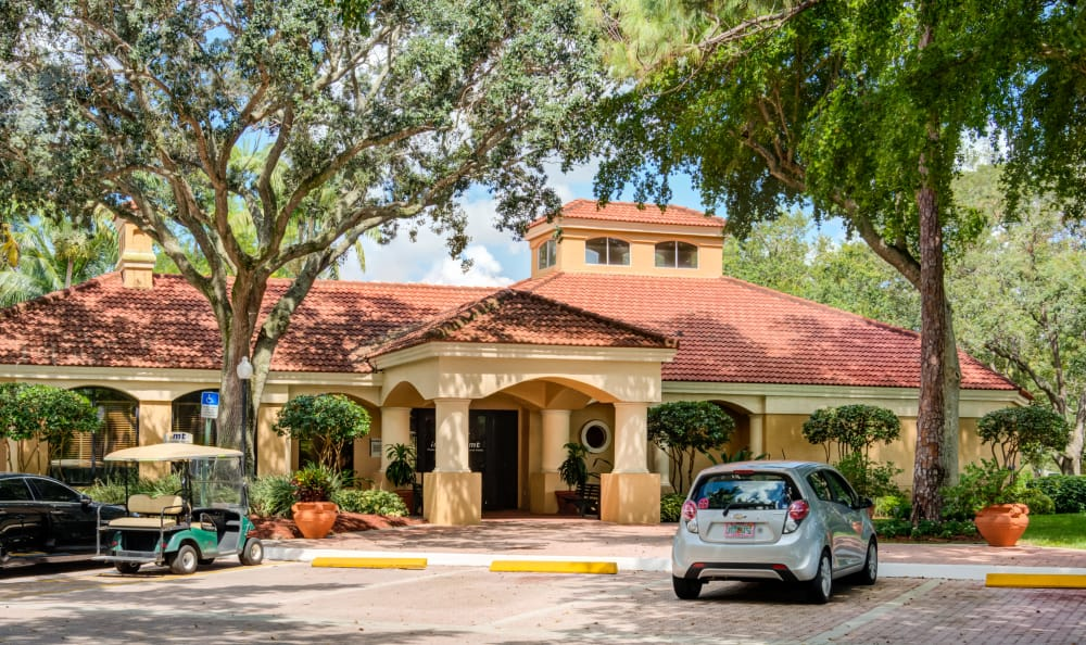 Virtual Tour and Photos of IMT Pinebrook Pointe in Margate, FL