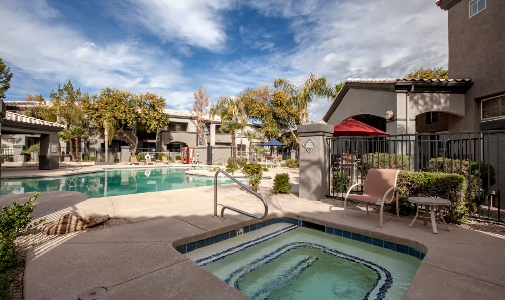 Spa and swimming pool at Sierra Canyon in Glendale, Arizona