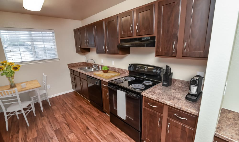 Gourmet Kitchen at Cherry Lane Apartment Homes in Bountiful with breakfast nook