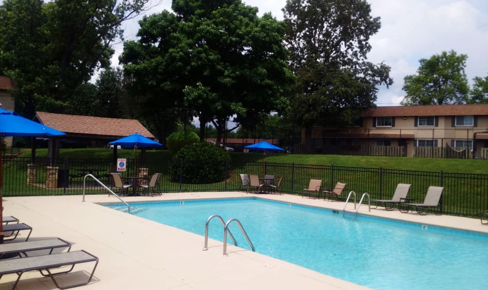 {location_name}} offers a swimming pool in Nashville, TN