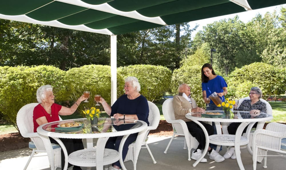Residents enjoying outside dining at Windham Terrace in Windham, New Hampshire