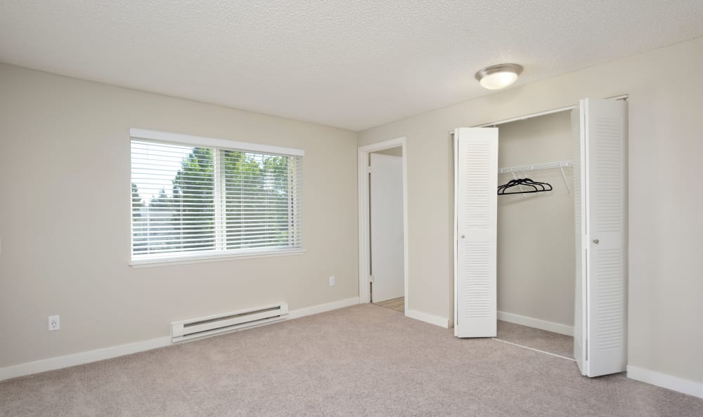 Discovery Landing Apartment Homes in Burien, WA offers a bedroom