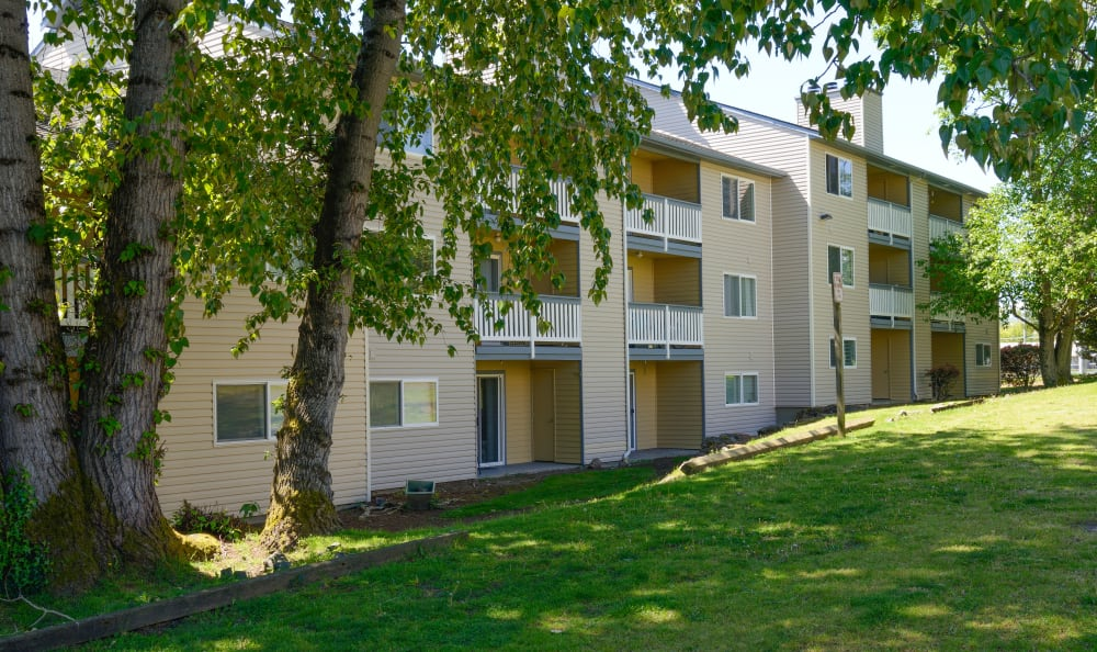 Discovery Landing Apartment Homes in Burien, Washington exterior shot