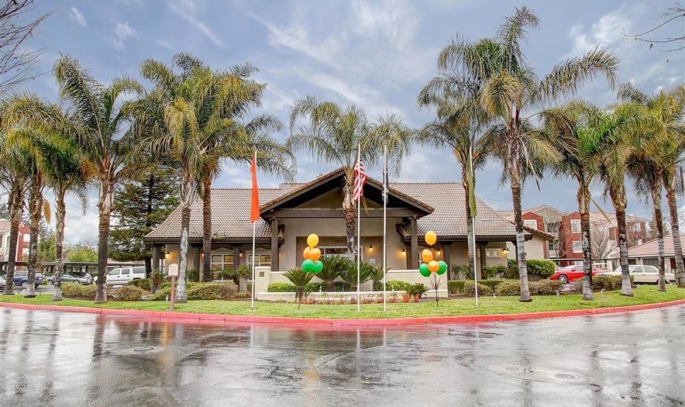 Exterior view of the leasing office at Eaglewood Apartments in Woodland, California