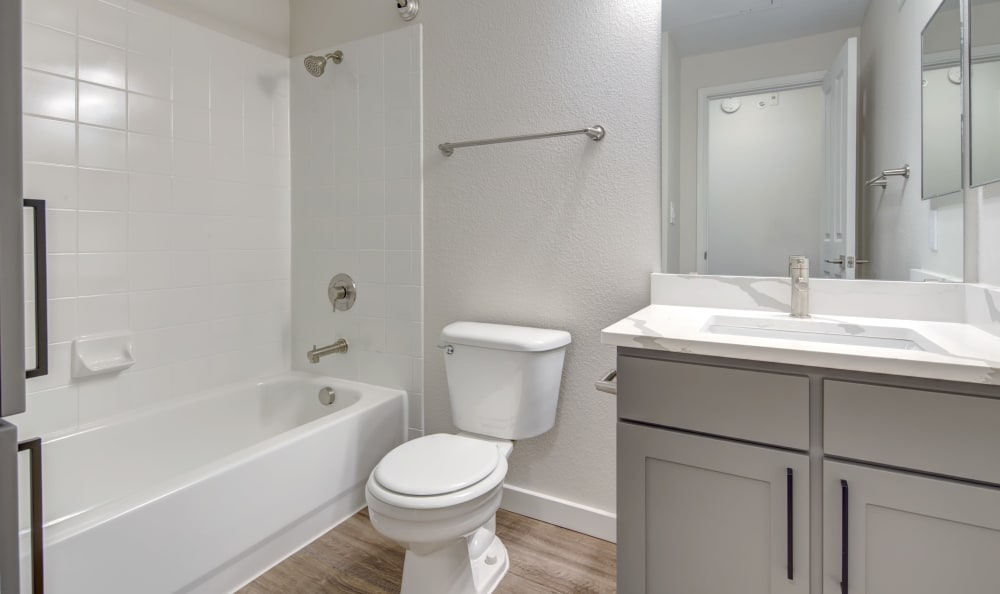 TX in Austin, Texas offers a bathroom