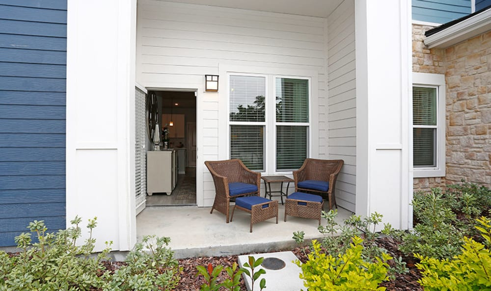 Resident's back covered porch at Vue at Belleair in Clearwater, Florida