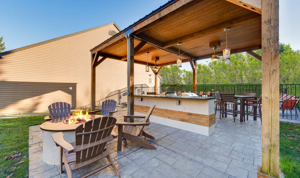 Fire-Pit Lounge and BBQ Area