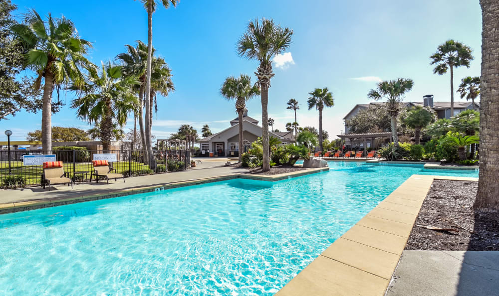 Huge zero entry pool for enjoyment at Azure Apartments in Corpus Christi, Texas