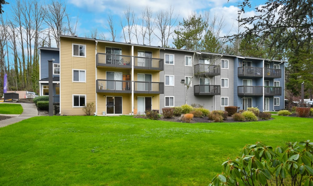 Exterior view of The Boulevard at South Station Apartment Homes in Tukwila, Washington