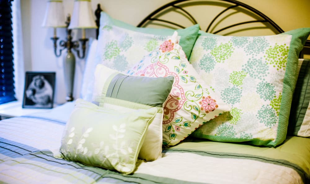 Pillows on bed at The Lakes of Paducah in Paducah, Kentucky