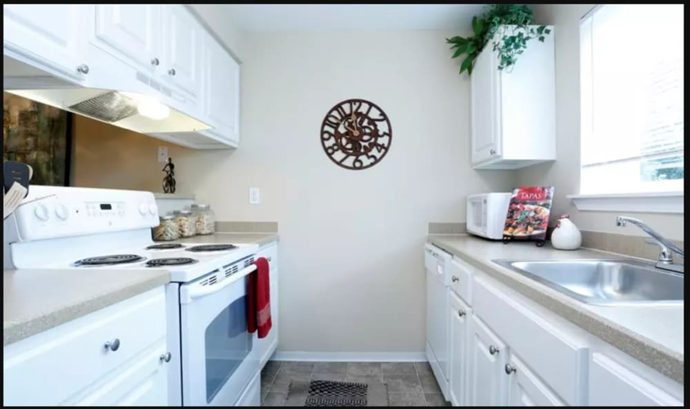 Kitchen at Discovery Landing Apartment Homes in Burien, Washington