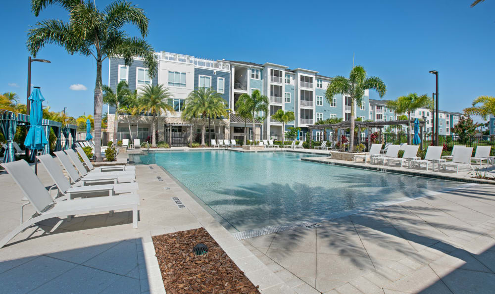 Vue at Belleair offers a Swimming Pool in Clearwater, Florida