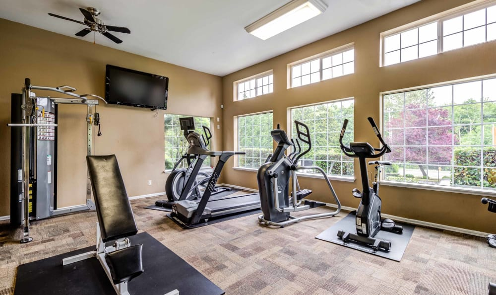 Enjoy Apartments with a Gym at Discovery Landing Apartment Homes