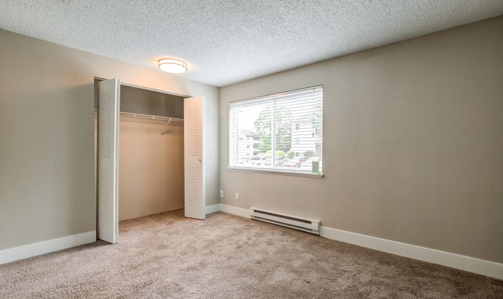 Bedroom at Discovery Landing Apartment Homes in Burien, Washington
